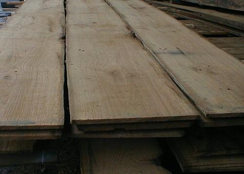 Re-sawn from reclaimed oak: veneers, veneer sheets, saw